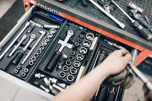 autozangerl-corporateimage-werkstatt-kg-9575389A4967-ECA0-FC83-FF6C-6A2005D4F4D2.jpg